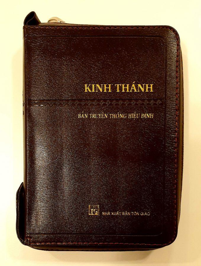 Vietnamesisk bibel artikelnummer 2558 via bibelbutiken.se